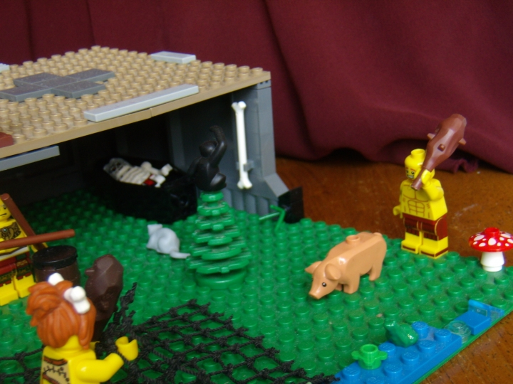 LEGO MOC - Because we can! - Caveman fire discovery: Сценка охоты с другой стороны.