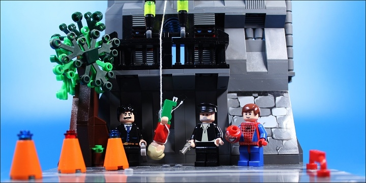 LEGO MOC - Heroes and villians - Killer has been punished.: Все герои в сборе!