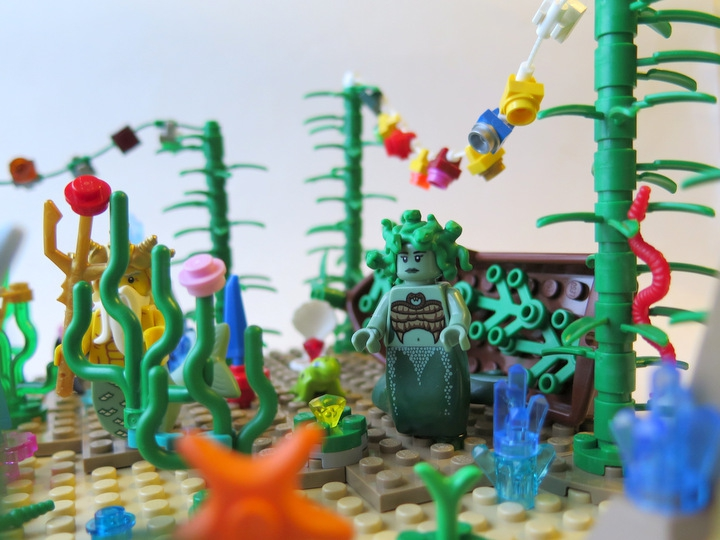 LEGO MOC - New Year's Brick 2014 - Underwater New Year: Гости спешат на праздник