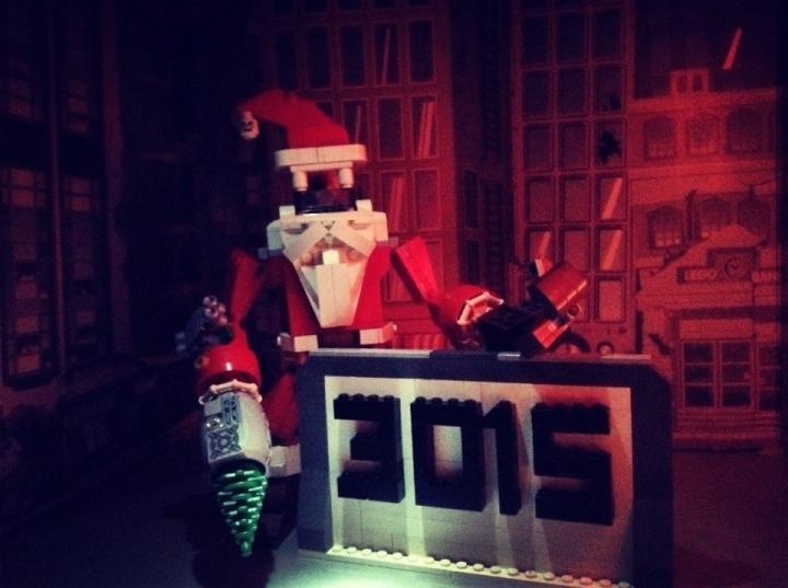 LEGO MOC - New Year's Brick 3015 - MS-1 Mega Santa