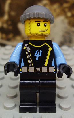 Lego Minifig Aquaraider Diver w// Spear Gun 7773 Scuba Tank Visor Flippers