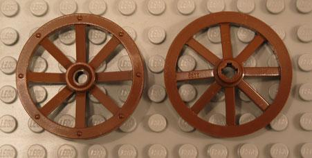 Lego 4489 Large wagon wheel with round hole x1